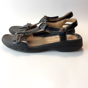 Clarks Unstructured amazingly comfortable sandals